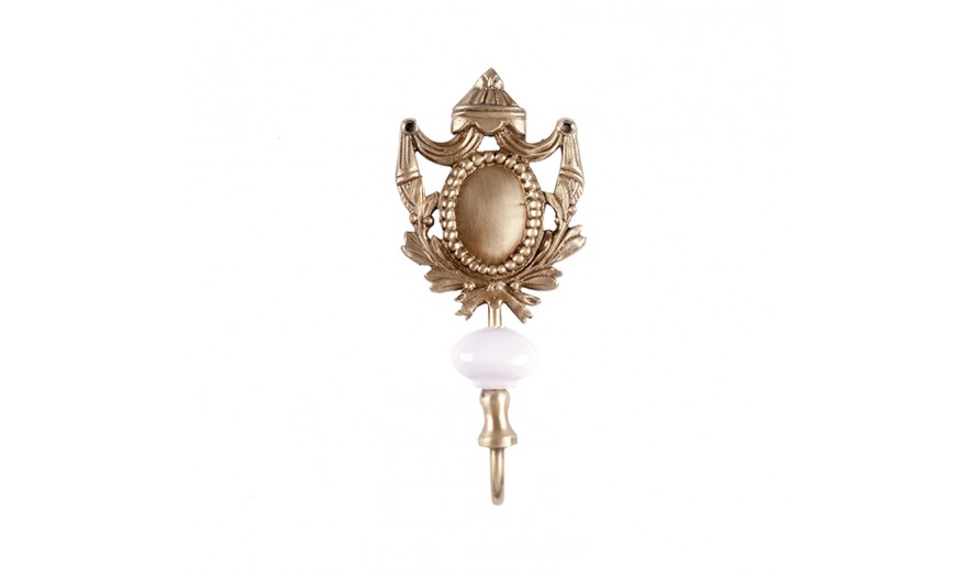 Tricia Medallion Brass Wall Hook
